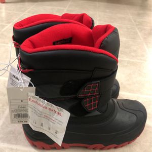 Snow Boots Big Boys Size 6 for Sale in Stow, MA