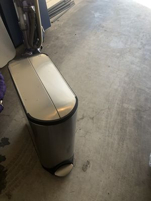 Simplehuman trash can 13 gallons for Sale in Phoenix, AZ