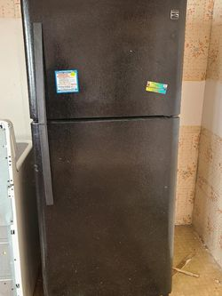 Kenmore Refrigerator for Sale in Lynnwood,  WA