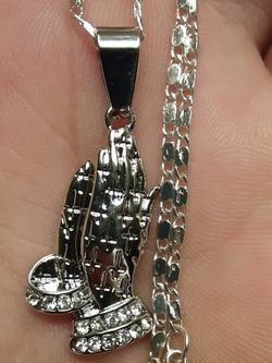 Sterling silver Necklace And Prayer hands Pendant Perfect Condition for Sale in New Port Richey,  FL