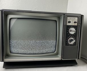 VINTAGE ZENITH TV 13'' 1983 Works! for Sale in Antioch,  CA