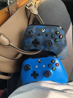 XBOX One Controllers Bundle for Sale in Cleveland, OH