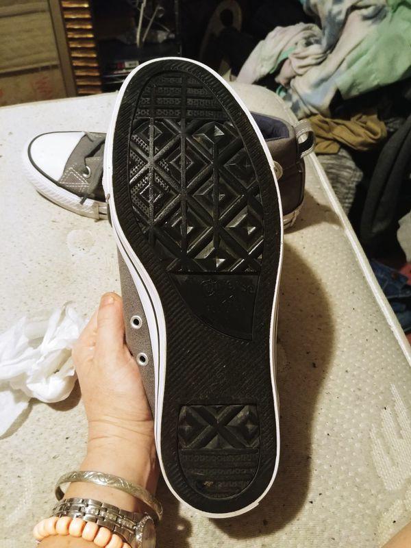 Men's Converse Hightop Sneakers (size 8)