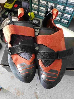 New Butora Altura and BD Flare climbing shoes size 13 for Sale in Lake Forest, CA