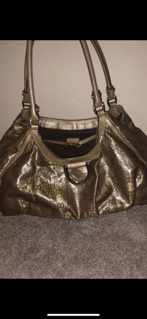 Gucci bag! Gorgeous with matching wallet for Sale in Las Vegas, NV