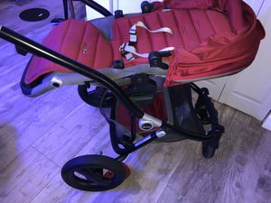 Britax stroller, car seat, and bassinet for sale excellent condition for Sale in Miami, FL
