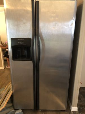 Frigidare Stainless Steel fridge for Sale in Lake Wales, FL