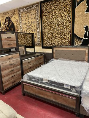 Furniture bedroom set five piece finance available for Sale in Garland, TX