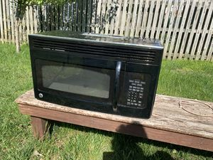 General Electric Overhead Microwave and exhaust change for Sale in West Laurel, MD