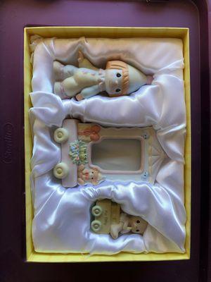 Precious moments baby train for Sale in Oak Forest, IL