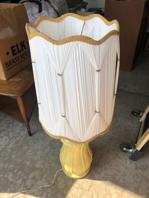 Antique lamp for Sale in Cerritos, CA