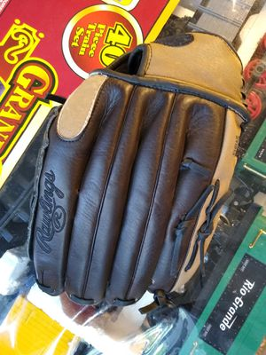 Baseball glove for Sale in Bloomingdale, IL
