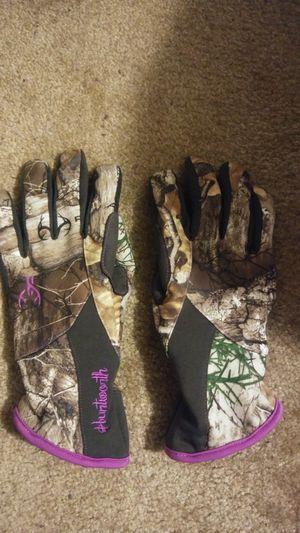 Women's camo gloves for Sale in Greensboro, NC
