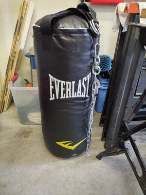 Everlast punching bag for Sale in Sumner, WA