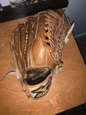 Mizuno baseball glove for Sale in Phoenix, AZ