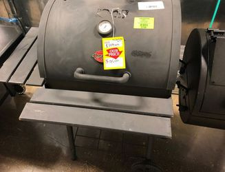 Char-Griller Charcoal Grill YLN for Sale in Austin,  TX