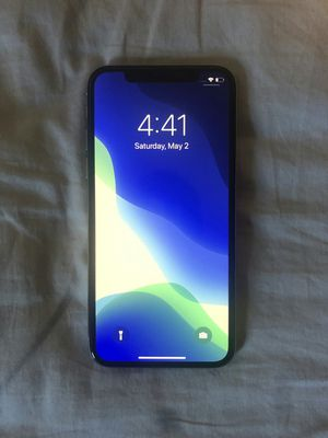 iPhone X - 64 GB Silver Factory Unlocked for Sale in Los Angeles, CA