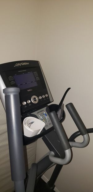 Life Fitness X3 elliptical for Sale in Fairfax, VA