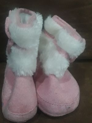 New born to 6 months shoes for Sale in LAKE MATHEWS, CA