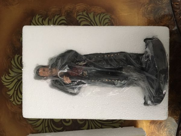 Once Upon a Time Hook Collectible Statue