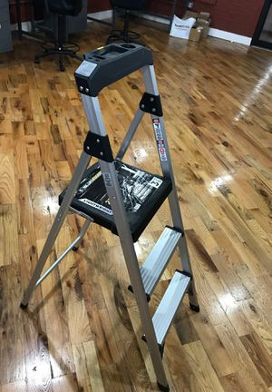 Aluminum ladders, 225lbs load capacity for Sale in New York, NY