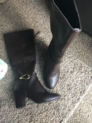 Brown women boots size 8. perfect condition. Please only serious buyers for Sale in West Valley City, UT