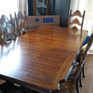 Dinning Room Set Table & 6 Chairs for Sale in Hayward, CA