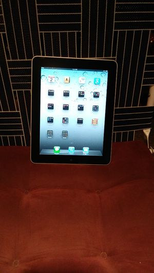 IPad air2. 16 gb with leather case that's also a stand as well for Sale in Columbus, OH