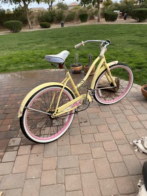 Huffy women's 26 inch Cranbrook series for Sale in Gilbert, AZ