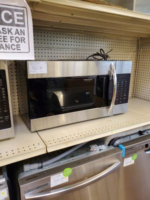 Frigidaire gallery over the range microwave for Sale in Claremont, CA