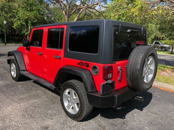 Gorgeous condition 2014 Jeep Wrangler Unlimited 4WD 4dr Sport SUV Loaded title good miles
