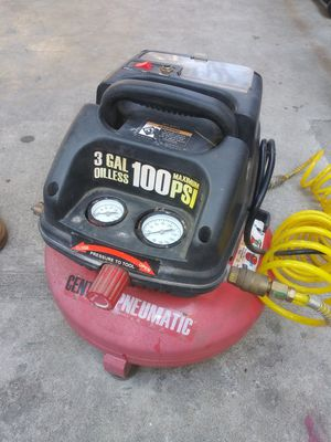 Central pneumatic air compressor for Sale in Maywood, CA