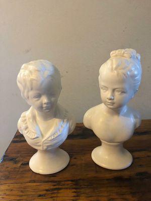 Adorno esculturas porcelanas blanca hombre y mujer epoca for Sale in Hialeah, FL