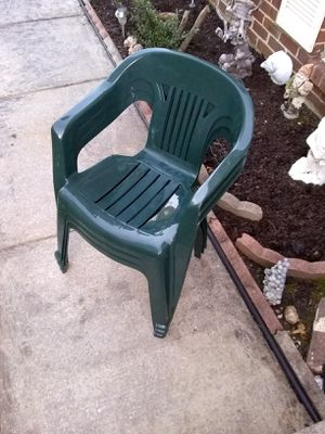 3 plastic chairs for Sale in Fort Belvoir, VA