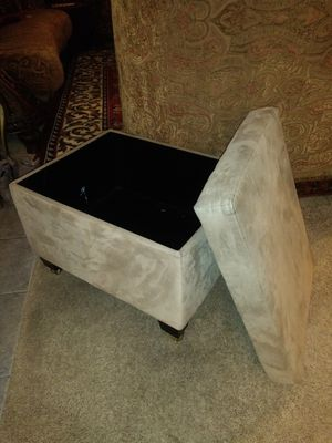 Microfiber storage ottoman on wheels for Sale in Thornton, CO