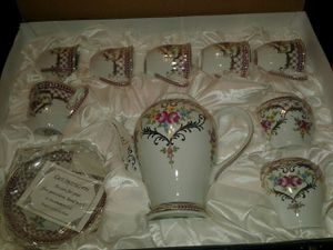 SORELLE 16 PIECE FINE PORCELAIN TEA SET for Sale in Beaumont, CA