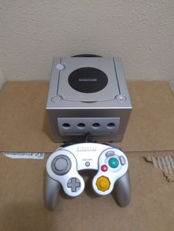 Nintendo Gamecube Platinum Silver With 1 Game Super Clean System for Sale in Fresno,  CA