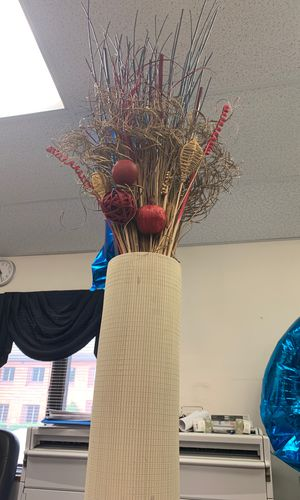 Vase Artificial flower (Decor) for Sale in Bowie, MD