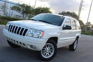 Low Price 2004 Jeep Grand Cherokee AWDWheels for Sale in Long Beach, CA