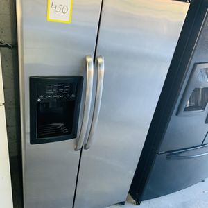 """GE Stainless Steel Refrigerator In Excellent Condition Width 33"""" Height 66"""" With 4 Month's Warranty!! for Sale in Pompano Beach, FL"""