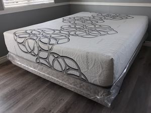 Full size Sky Bamboo Cool Gel Memory Foam Mattress and Boxspring for Sale in Pico Rivera, CA