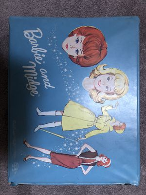 Barbie and Midge Case and Booklet from 1964. for Sale in Everett, WA