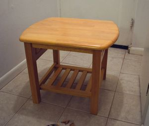 Sturdy side table for Sale in Bethesda, MD