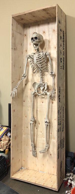 Huge Halloween skeleton prop $175 for Sale in Arcadia, CA