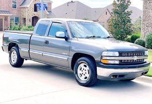 ֆ12OO 4WD CHEVY SILVERADO 4WD for Sale in Fairfax, CA