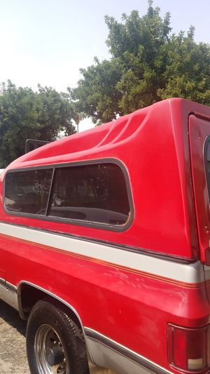 8ft Camper shell $100 obo for Sale in San Fernando, CA