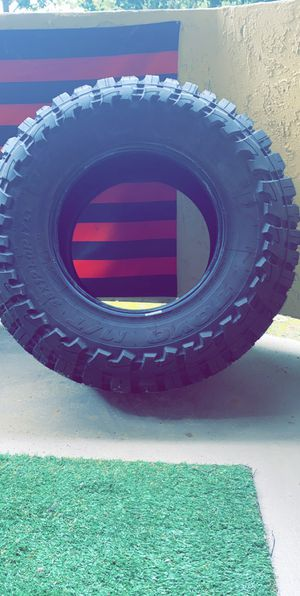 Like new Toyo Open Country Tire 35x12.50x17 for Sale in Chula Vista, CA
