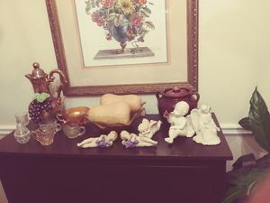 Ceramic angels and collectible vintage glassware for Sale in Nashville, TN