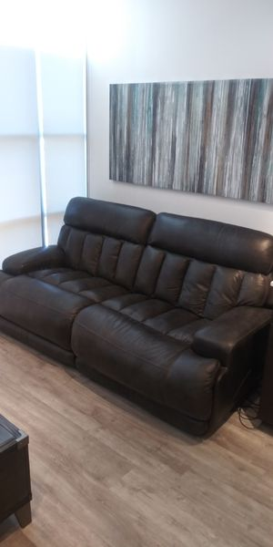 Leather power reclining couch for Sale in Mason City, IA