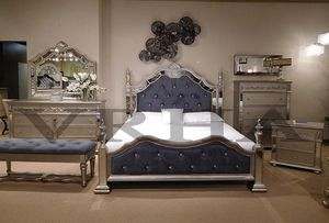 POST BEDROOM SET 4PC QUEEN BED DRESSER MIRROR AND NIGHTSTAND/NO MATTRESS INCLUDED for Sale in Santa Ana, CA